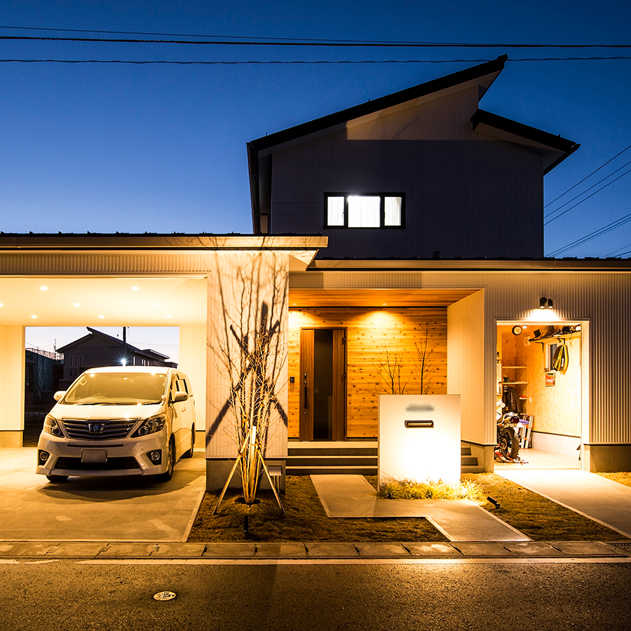 性能とデザインを融合させたガレージハウス